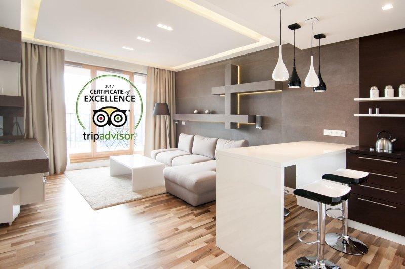Top Floor Luxury Apartment with bikes, Ferienwohnung in Krakau