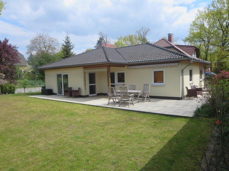 exklusives Ferienhaus vor den Toren Berlins, vacation rental in Baruth