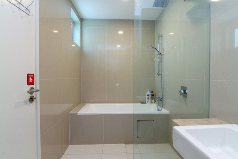 Bathroom No.1 attached with master bedroom with hot water & bathtub.