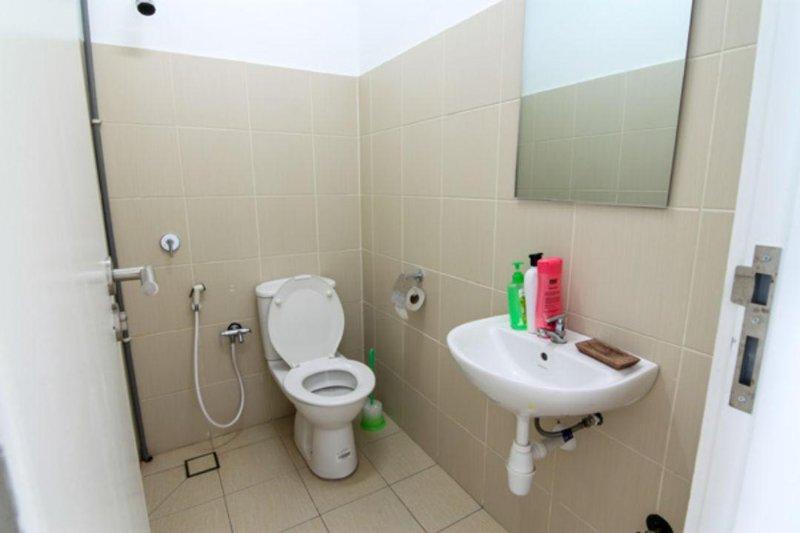 Bathroom No.4 at yard area.