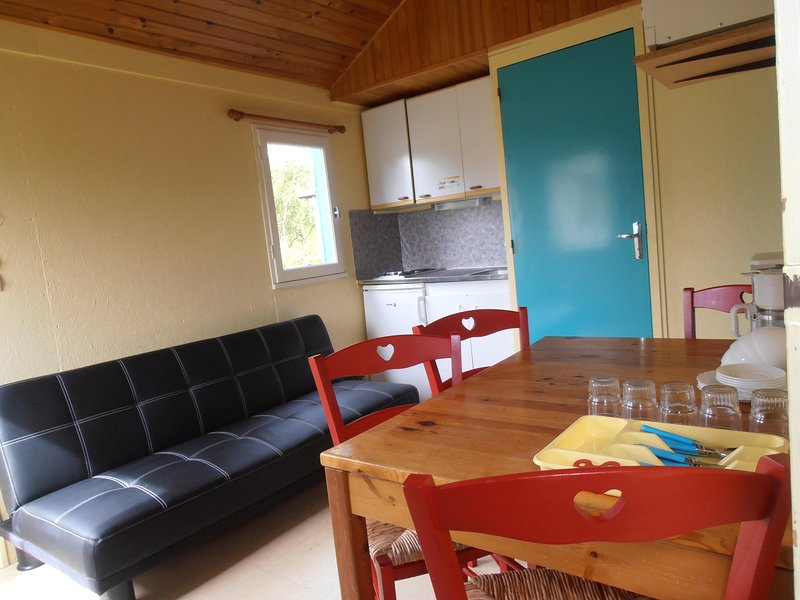 Chalet 4-5  personnes, holiday rental in Jarze
