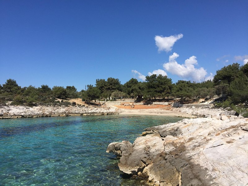 Villa Isidora, Beach Villa and Lounge, location de vacances à Astrida