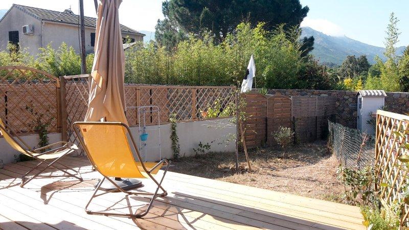 Appartamento t2 con giardino privato tripadvisor saint - Appartamento con giardino privato ...