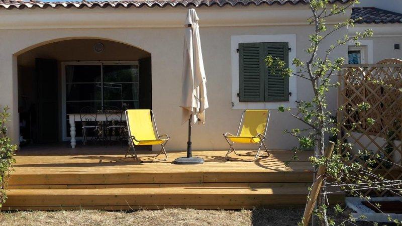 Appartamento T2 con giardino privato, holiday rental in Saint Florent