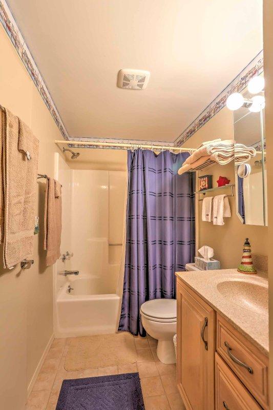 De complete badkamer.