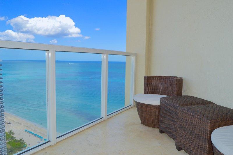 Master bedroom balkong - uteservering.