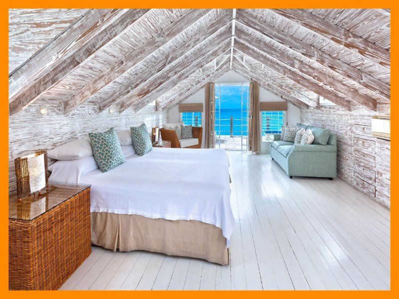 Easy Reach - Mullins Beach - 5* waterfront villa, holiday rental in Mullins