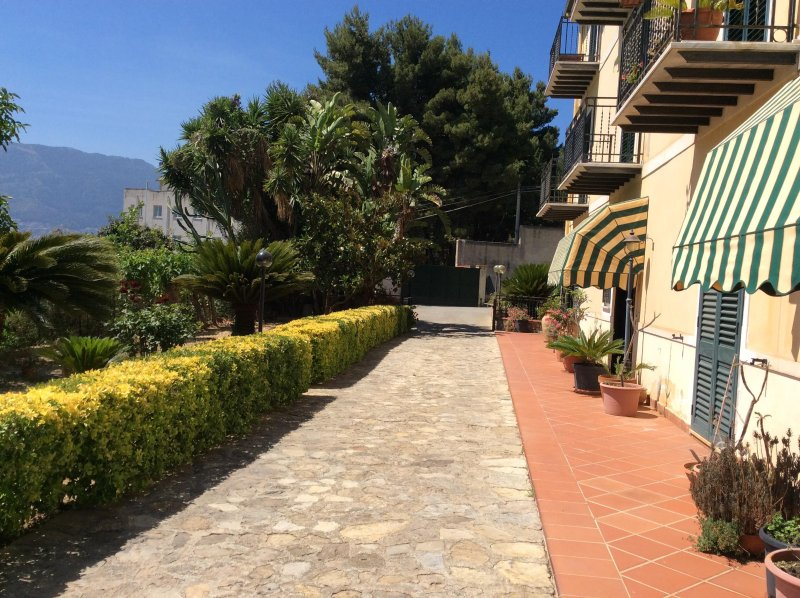 B&B Antico Limoneto Conca D'Oro, holiday rental in Pioppo
