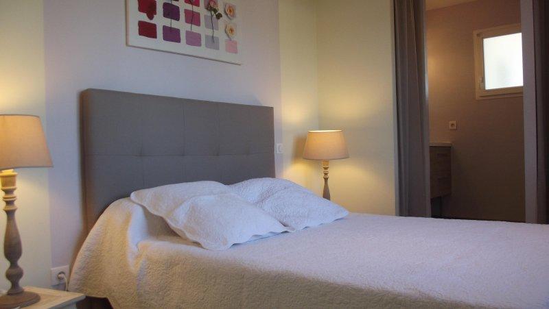 VILLA TOUT CONFORT PISCINE ET SPA, vacation rental in Claouey