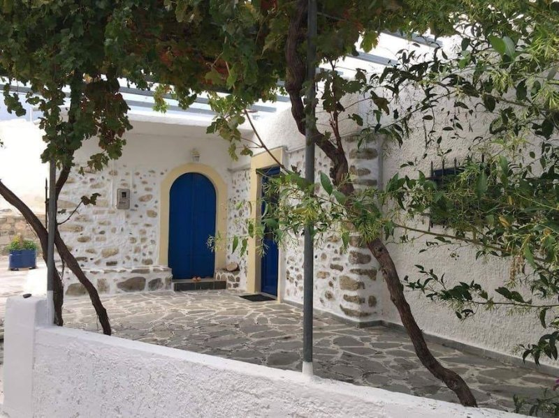 Traditional house in South Crete, holiday rental in Tsoutsouras