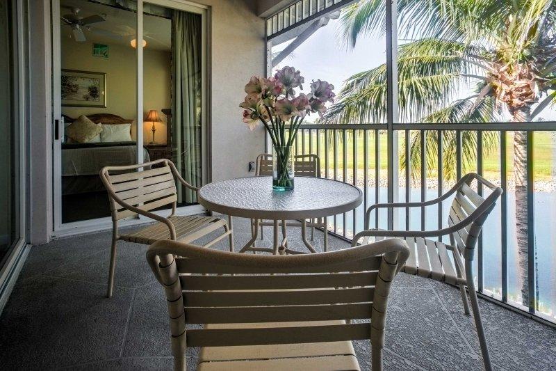 L'unità si trova all'interno del GreenLinks Golf Villas a Lely Resort.