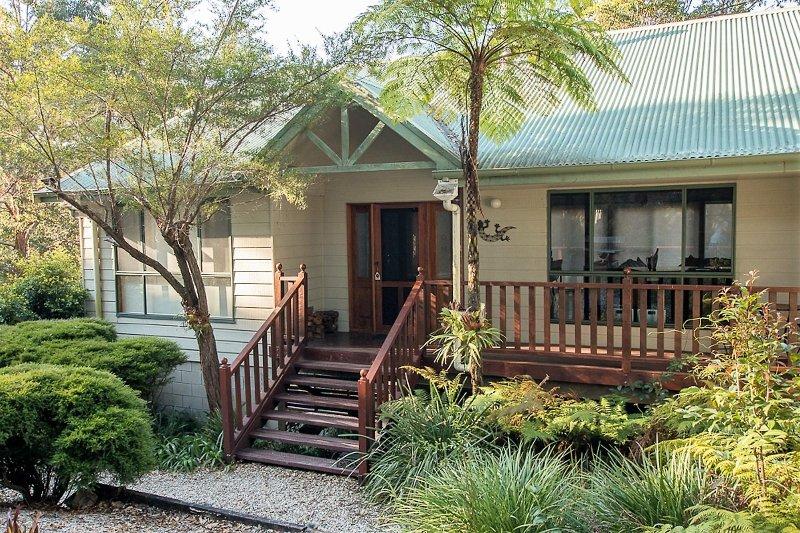 Topi Gums Bush Retreat-mid coast NSW, location de vacances à Boolambayte