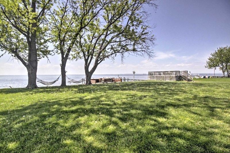 La casa está situada en una gran propiedad frente al mar, justo en la bahía de Chesapeake!