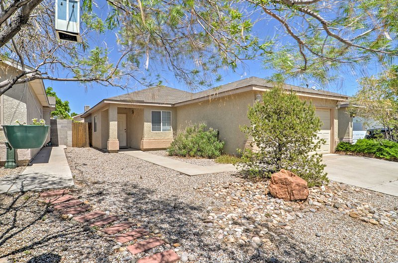 Albuquerque House w/Backyard - 3 Mi. to Downtown!, vacation rental in Los Ranchos de Albuquerque