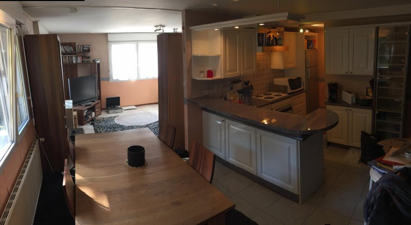 Belfort appartement meublé F4 duplex 140 M2, Ferienwohnung in Danjoutin