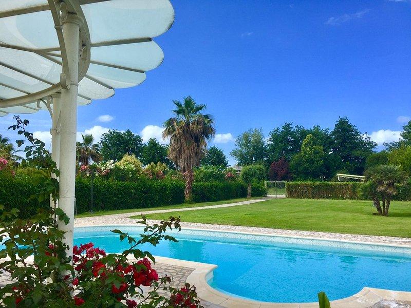 ❤️ Luxury Villa con piscina ❤️, vacation rental in Marina di Pietrasanta