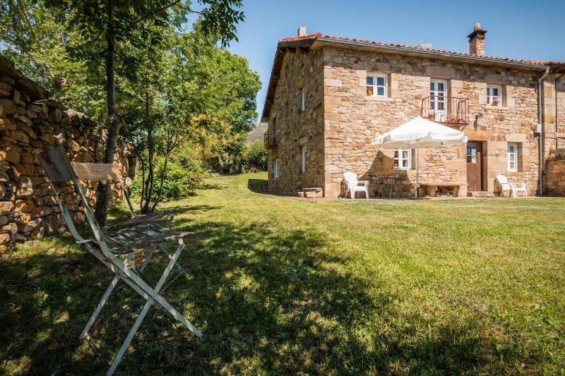 Abiada Rural,Casa de ENCIMABIA, holiday rental in Reinosa