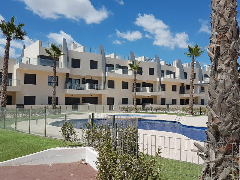 Apartments Playa Elisa Bay, Mil Palmeras, Orihuela Costa, vacation rental in Mil Palmeras