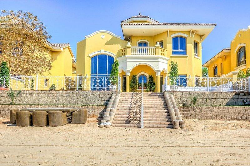 Fachada Vista desde la playa
