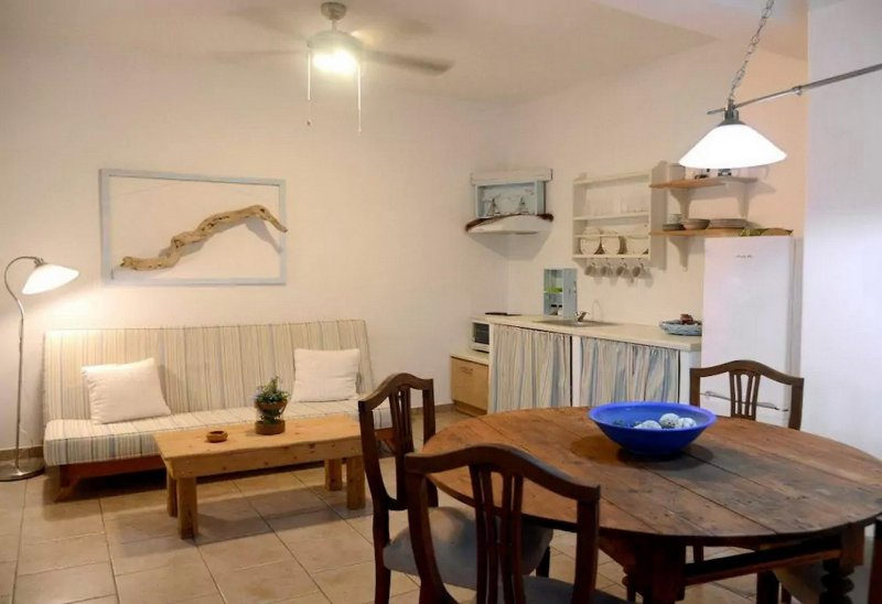 Nataly's Villa 1 near the beach on Kythnos Island!, holiday rental in Loutra