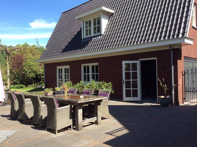 Guesthouse Met de Deur in Huis – semesterbostad i Eindhoven