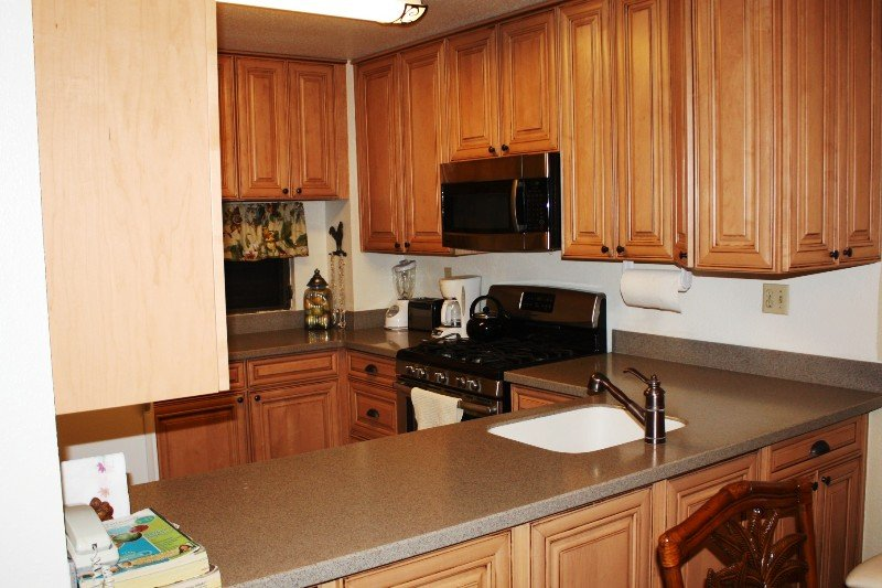 Sink,Indoors,Kitchen,Room,Microwave
