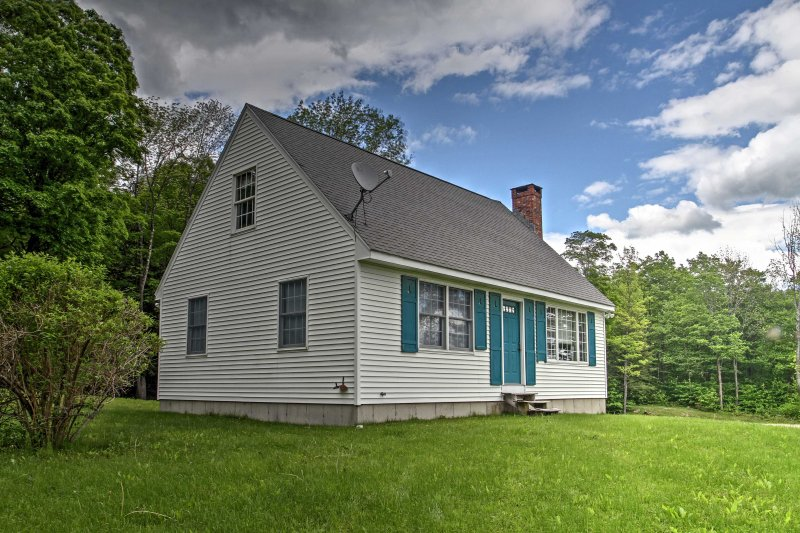Escape to this 3-bedroom, 2-bathroom East Dover vacation rental house.