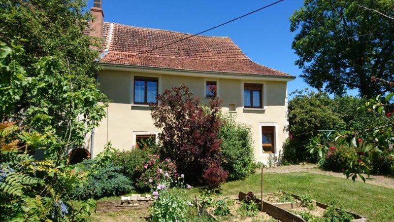 La Favière Enchantée – gîte spacieux, calme au cœur de la ferme, location de vacances à Recologne