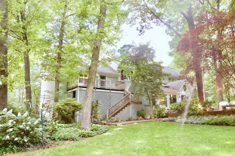 Red Fox | Keswick-Area Private Suite in Wine country - LT Stay Welcome
