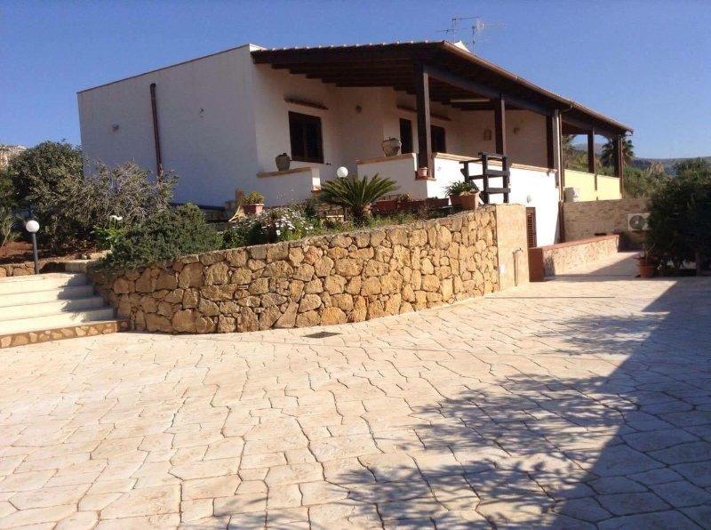 Villa Orizzonte, location de vacances à Custonaci