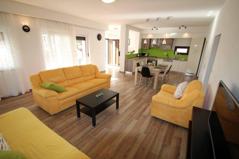Apartment Luna, vacation rental in Valtura