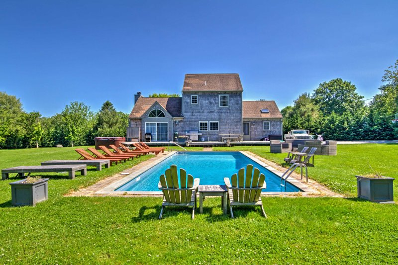 Plan your getaway to this 4-bedroom, 3-bath vacation rental home in East Hampton!