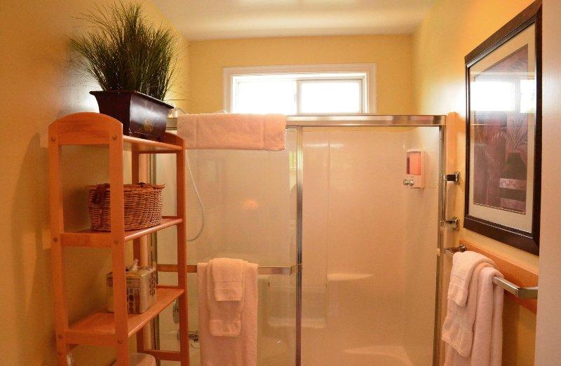 baño de Estudio de alquiler Forest View estadía de Arcata Manténgase