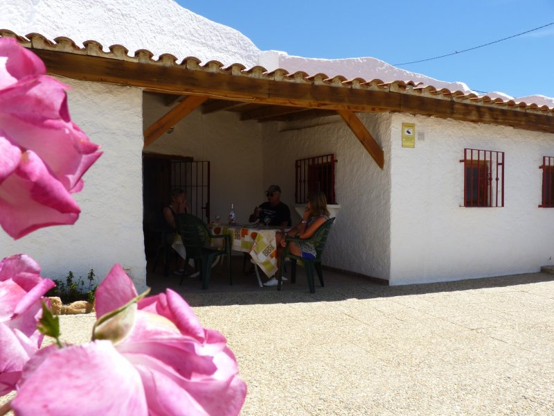 Cueva Las Rosas Guadix, holiday rental in Purullena