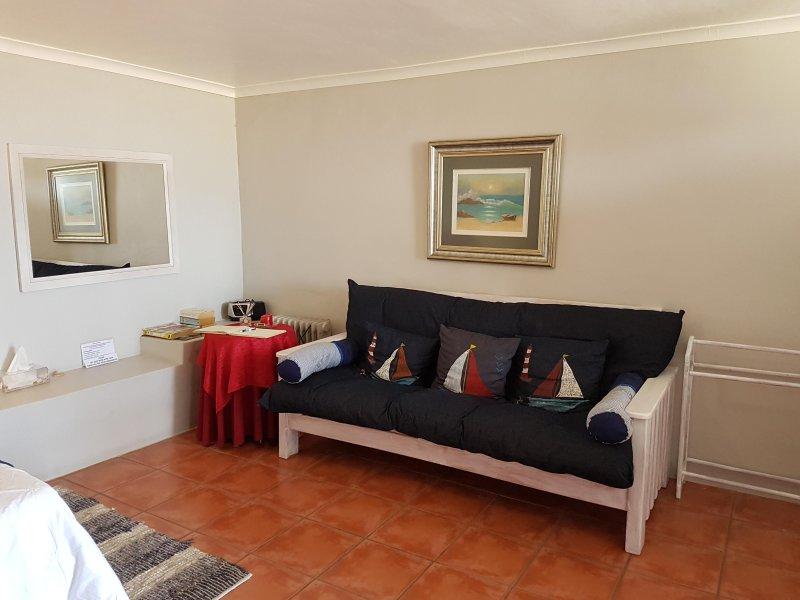 sunbirdview Self-catering or B & B - unit 1, holiday rental in Saldanha