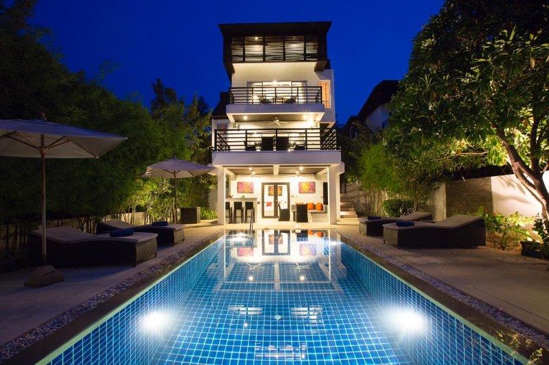 3BR Seaview Villa Esprit, alquiler vacacional en Plai Laem