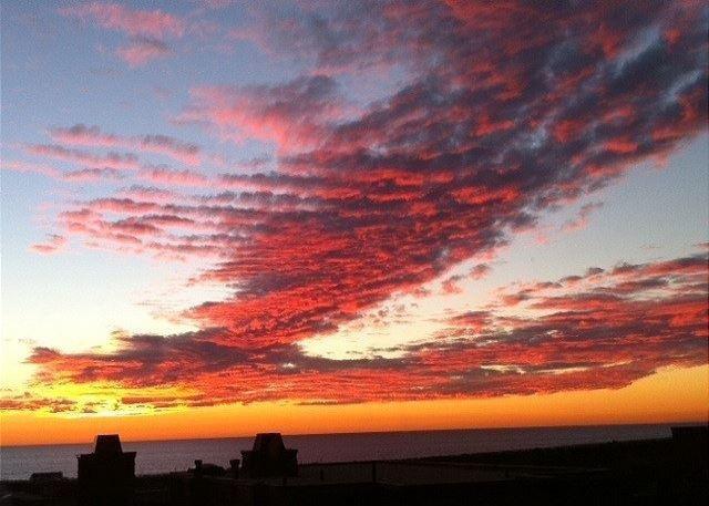 Stunning Ocean View Sunsets!