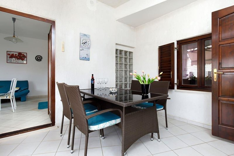Apartment Della Croce 1, vacation rental in Sutivan