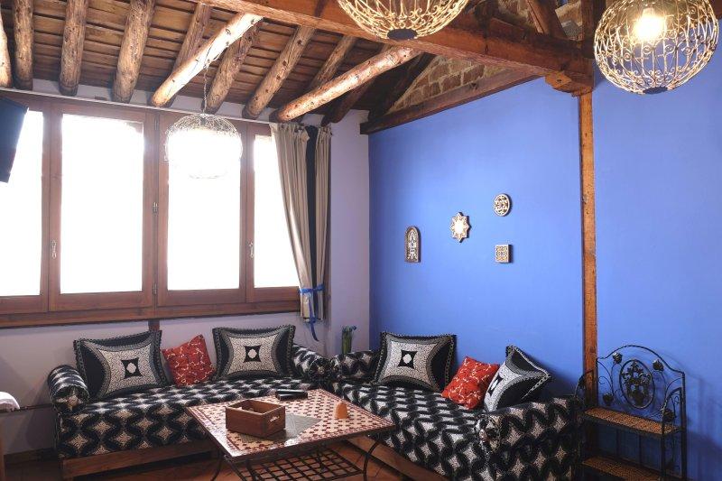 CÉNTRICO JUNTO CATREDRAL LA BUHARDILLA DE MESONES, holiday rental in Granada