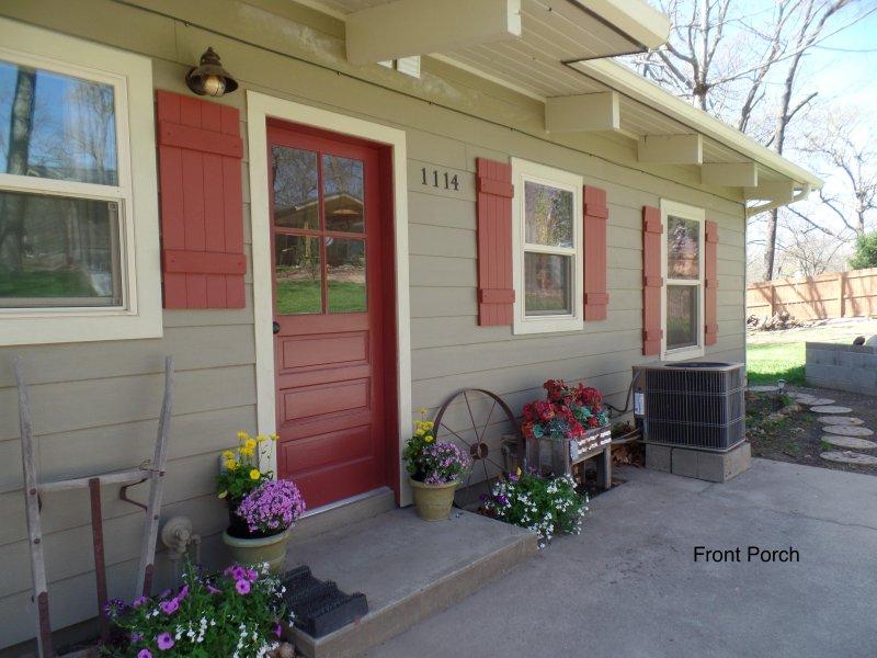 The 'Bunk House' Cabin 2 Bd, Sleeps 5