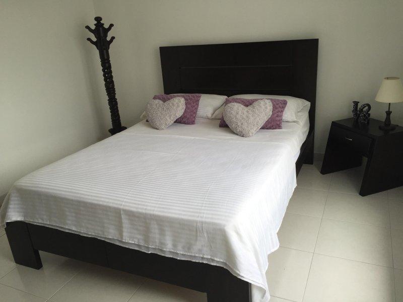 Habitación Doble de Uso Individual, Casa Centenario Pereira / Risaralda, holiday rental in Ulloa