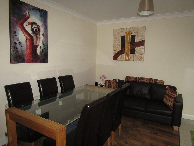 6 Bed Rooms Property in London