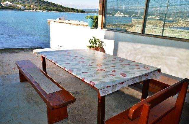 Room for 2 by the sea, vacation rental in Betina