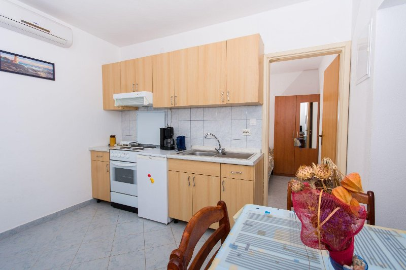 A2(2+1): kitchen and dining room