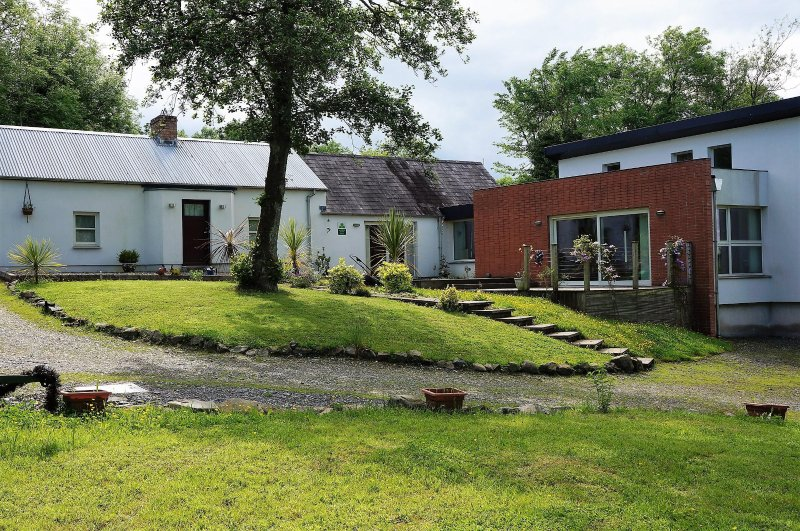 Tullybuck Cottage, Luxury 4-star rural self-catering cottage, holiday rental in County Monaghan