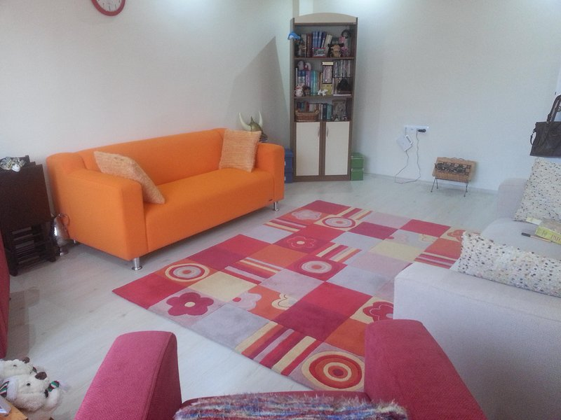 Cozy flat on the second of newly built building.Next to the  supermarket, holiday rental in Burdur Province