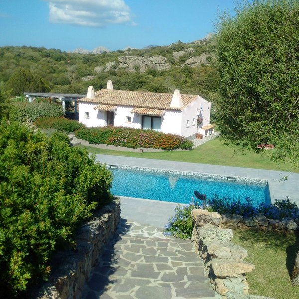 podere spartaco casa rosa, location de vacances à San Pantaleo