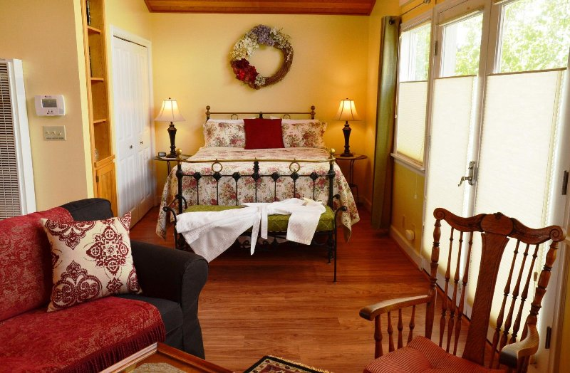 cama Estudio de alquiler reina Forest View estadía de Arcata Manténgase