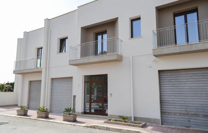 B&B CASTIGLIONE/ camera cofano, holiday rental in Custonaci