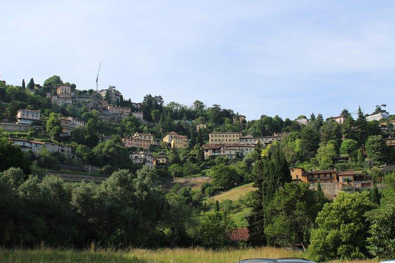 Colli di Bergamo por via paralela